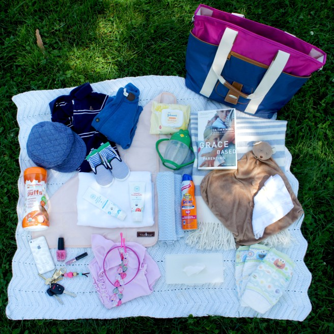 Vilah Bloom ::What Did I Pack? :: as featured on Gifts with Bows #giftswithbows #GWB #vilahbloom